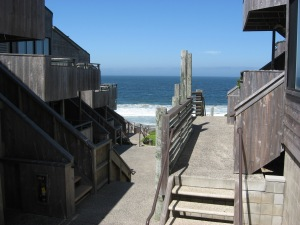 Monterey beach house 009