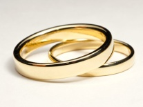 18k yellow gold wedding rings